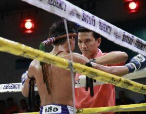 มือปราบหัวใจมวย ตำรวจมือปราบผู้มีกีฬามวยไทยในชีวิต
